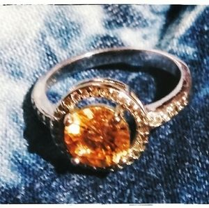 Beautiful 2.5ct citrine, Sterling Silver ring sz 7